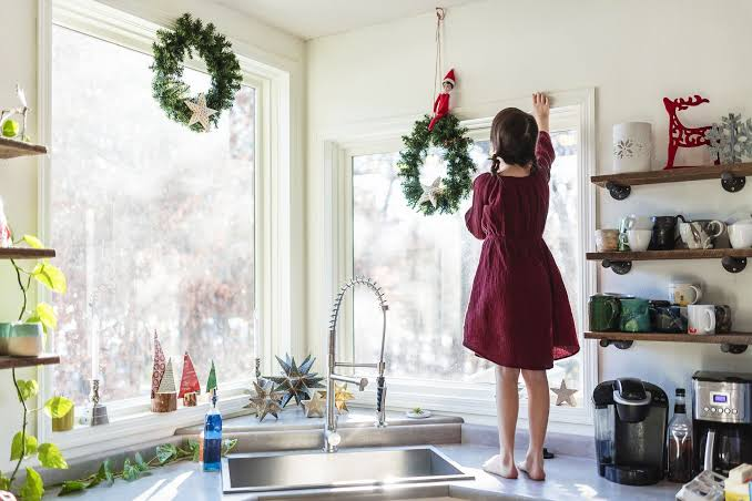 Top 7 tips of Christmas Kitchen Décor to Cheer Up the Cook!