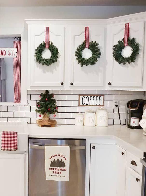 4) Kitchen Cabinet Doors Décor Christmas