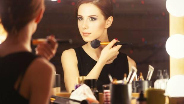 Top 5 client building hacks for freelance makeup artists