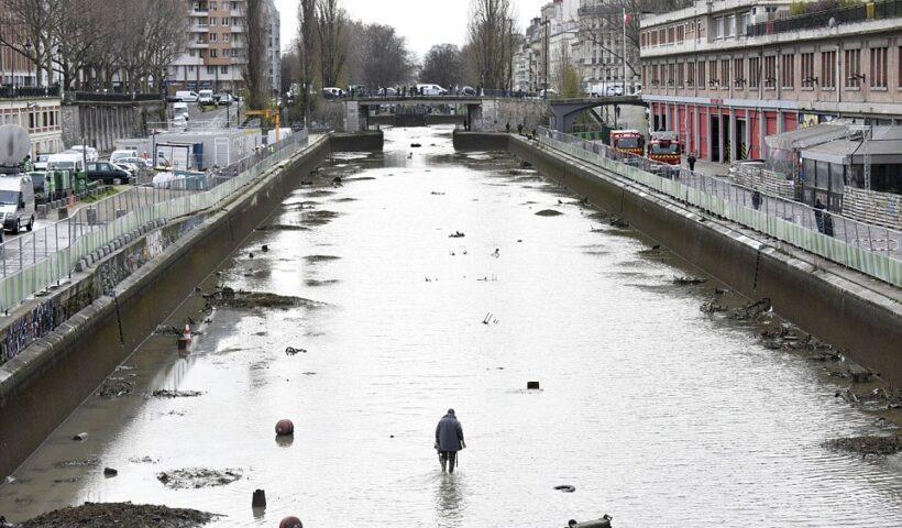 CURAGE PARIS- Cleaning Out Paris.